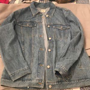 GAP women's boyfriend fit denim jacket